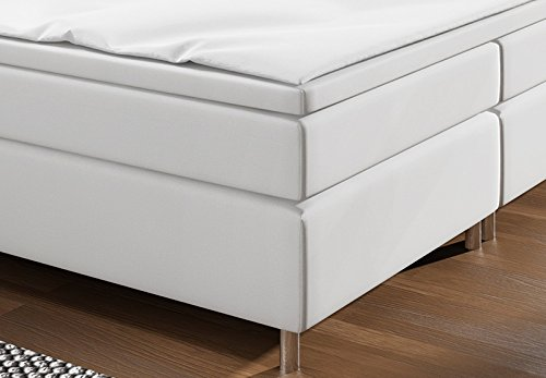 boxspringbett mit led beleuchtung und chromleisten hotelbett doppelbett polsterbett ehebett. Black Bedroom Furniture Sets. Home Design Ideas