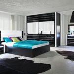 Schlafzimmer Komplett - Set F Livadia, 6-teilig, Farbe: Weiß Hochglanz / Schwarz Hochglanz